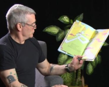 """Henry Rollins reads Dr. Seuss """"Oh, The Places You'll Go!"""""""